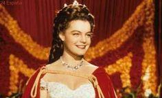 Profanan la tumba de la actriz Romy Schneider, famosa por 'Sissi Emperatriz'