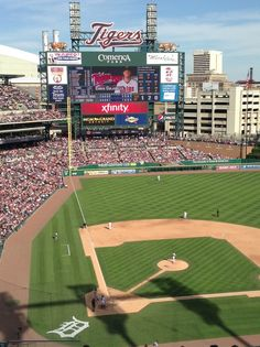 """See 8983 photos from 41334 visitors about baseball, tigers, and hot dogs. """"Comerica Park is such a great destination if you're looking for a nice. Detroit Sports, Detroit Tigers Baseball, Bears Football, Sports Teams, Traverse City Michigan, Detroit Michigan, Baseball Park, Baseball Field, Detroit Downtown"""