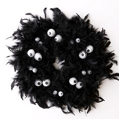 I actually made this wreath last year and it was sooo cute!