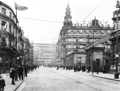 With photos from the onwards, Liverpool Then And Now is a gorgeous celebration of the city. Liverpool Waterfront, Liverpool History, Liverpool Street, Midland Hotel, Old Street, Southport, Blackpool, The Good Old Days, Old Photos