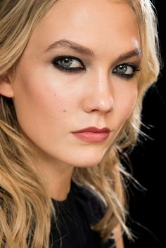 f48a2c3f78 This Makeup Monday look is in honor of the Versace Makeup look for the Fall  2015 Ready to Wear collection during Paris Fashion week this week!