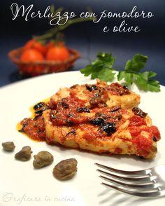 Merluzzo con pomodoro e olive http://blog.giallozafferano.it/graficareincucina/merluzzo-con-pomodoro-e-olive/