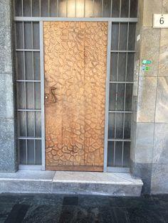 door design, milano, italy Window Design, Door Design, Garage Doors, Italy, Windows, Outdoor Decor, Home Decor, Italia, Decoration Home