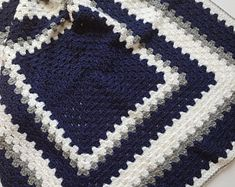 Crochet Bebe, Free Crochet, Crochet Newborn Blanket, Free Pattern, Etsy, Plaza, Hooks, Grey Yellow, Handmade Gifts