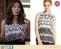 Angela's black and white printed sleeveless top on Bones.  Outfit Details: http://wornontv.net/37668/ #Bones