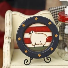 Primitive Americana Sheep Plate - Decorative Plates and Bowls - Primitive Decor Primitive Plates, Primitive Country Crafts, Primitive Kitchen, Primitive Decor, Painted Plates, Wooden Plates, Decorative Plates, Prim Decor, Country Decor