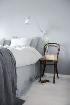 Nice bedroom (and how to be a happy high flyer) Scandinavian Interior Bedroom, Interior Design Living Room, Awesome Bedrooms, Beautiful Bedrooms, Home Bedroom, Bedroom Decor, Zen Room, House Rooms, Room Inspiration
