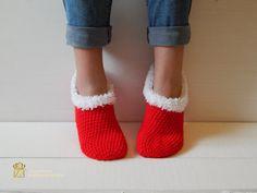 Women Slippers, Women Socks, Crochet Slippers. Knitted slippers. Women shoes. Home shoes. Gift for mom. Christmas gift