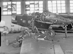 Wellington Bomber, Plane Photos, Aircraft Maintenance, Ww2 Aircraft, Royal Air Force, Mechanical Engineering, Military Vehicles, Wwii, Fighter Jets