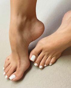 White Toenails, Black Toe Nails, Pretty Toe Nails, Cute Toe Nails, Pretty Toes, Nice Toes, Foot Love, Foot Pics, Beautiful Toes