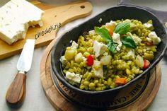 insalata di grano con verdure pesto e feta