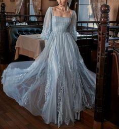 Elegant Dresses, Pretty Dresses, Vintage Dresses, Beautiful Dresses, Designer Evening Gowns, Ball Gowns Evening, Blue Evening Dresses, Designer Gowns, Ball Gown Dresses