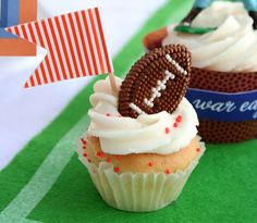 Amy's Party Ideas: {Real Parties I've Styled} Football Kickoff Tailgate Party! Cute cupcakes!