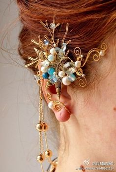 【精灵耳饰】来自俄罗斯姑娘Софья Павлова的手工作品,件件都很美貌,如艺术品一般抓人眼球,有的很具戏剧性,有的细腻又婉约。