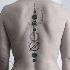 Minimal solar system back piece. It was Franziska's first tattoo! And she sat l… Minimal solar system back piece. It was Franziska's first tattoo! And she sat like a rock. Spine Tattoos, Back Tattoos, Body Art Tattoos, Sleeve Tattoos, Cool Tattoos, Space Tattoo Sleeve, Tatoos, Rib Tattoos, Flower Tattoos
