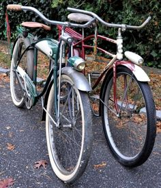 bicycles with the fenders and pedal light~