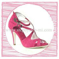 Sandalo in camoscio fuxia  #stepbystep #madeinitaly  #scarpedaballo  #sandali #danceshoes #sandal #salsa #bachata #kizomba