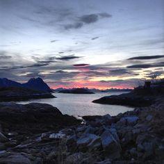 Il buongiorno delle Isole Lofoten... l'alba di Svolvær fa perdere le parole...   http://www.volagratis.com/promo/diari-di-viaggio/magic-norway/tappe/tappa-III.html