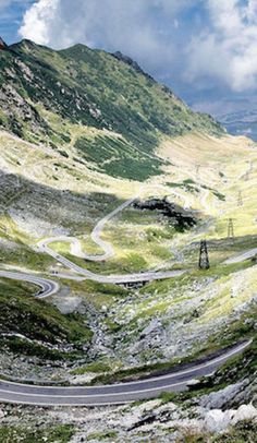 Best time for Transfagarasan Road Trip in Romania 2020 - Best Season & Map Tour Around The World, Travel Around The World, Around The Worlds, Road Trip Map, Road Trips, World Pictures, Travel Tours, Countries Of The World, Romania