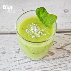 BiteDelite – food blog, recipes and photography » Avocado & Kiwi Smoothie