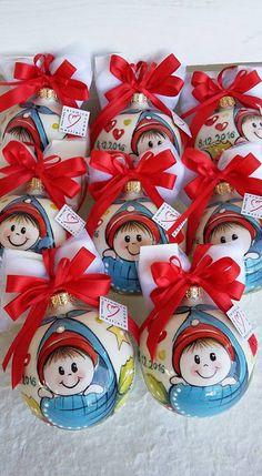 ceramica come mestiere: Palline di Natale per il Battesimo. Ceramica decor... Christmas Decorations, Christmas Ornaments, Holiday Decor, Small Sculptures, Hand Painted Ornaments, Terracotta, Christmas Time, Advent Calendar, Painting