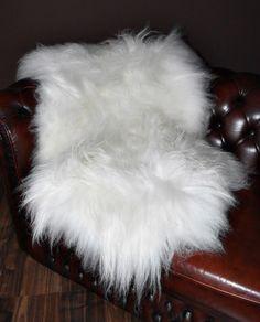 schaffell f r st hle schwarz von nordal felle pinterest stuhl schwarz schaffell und stuhl. Black Bedroom Furniture Sets. Home Design Ideas