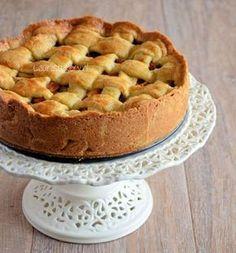 Oma's Appeltaart - Laura's Bakery Wijzigingen: - drupje melk bij deeg om het wat soepeler te maken - rozijnen toevoegen - KLEIN snufje zout!! - appels heel dun snijden - helft vanillesuiker is ook goed