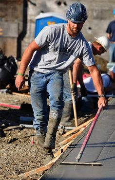 Not sure he'd work for one of our guys, but he is a construction worker.just like Jon and Chris. Beautiful Women Quotes, Beautiful Tattoos For Women, Beautiful Men, Beautiful People, Handsome Men Quotes, Handsome Arab Men, Hairy Men, Bearded Men, Scruffy Men