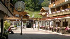 Viale della Stazione a Gstaad
