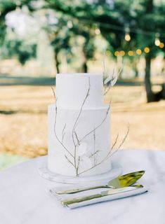 Today's Champagne chic Inspired Wedding at Swan Lake Mansion is one that will inspire couples planning their wedding for years! Dried Flower Bouquet, Dried Flowers, Spring Wedding, Wedding Day, Chic Wedding Dresses, Wine Tasting Room, Creative Wedding Cakes, Bohemian Wedding Inspiration, Swan Lake