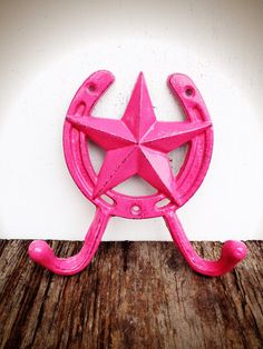BOLD hot pink star  horseshoes double wall hook // country cottage rustic decor // coat towel wall hook // shabby chic cowgirl girls room