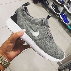 ec232c7e16889 Mens Womens Nike Shoes 2016 On Sale!Nike Air Max  Nike Shox  Nike Free Run  Shoes  etc. of newest Nike Shoes for discount saleWomen nike nike free Nike  air ...