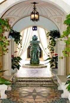 Gianni Versace House