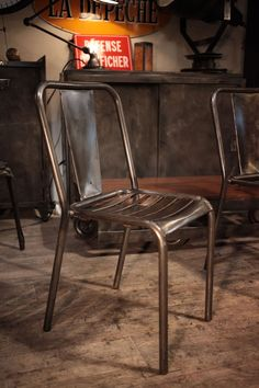 fauteuil chaise ancienne en metal brut deco loft home spaces industrial pinterest. Black Bedroom Furniture Sets. Home Design Ideas