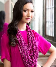 Glam-It-Up Hand Chain ... make a chain with your hands, using ruffled Boutique Sashay yarn ||| Red Heart Yarns