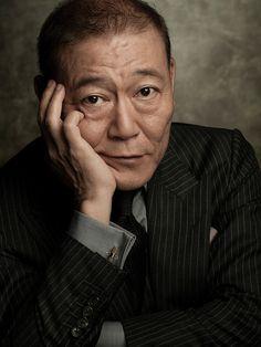 國村隼が語る役づくり「お客さんが面白いと思う表現をする」 | GQ JAPAN