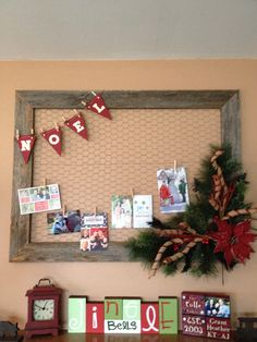 Awesome way to display cards. And whatnot when not holiday season Christmas Card Display, Christmas Card Holders, Diy Christmas Cards, Noel Christmas, Country Christmas, Winter Christmas, Handmade Christmas, Christmas Vignette, Christmas Sweets