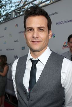 Gabriel Macht Photos - Celebrities attend the NBC Universal Press Tour All Star Party at The Bazaar at the SLS Hotel in Beverly Hills. - NBC Universal Press Tour All Star Party - Arrivals Serie Suits, Suits Tv Series, Suits Tv Shows, Suits Drama, Donna Paulsen, Suits Harvey, Suits Usa, Gabriel Macht, Harvey Specter