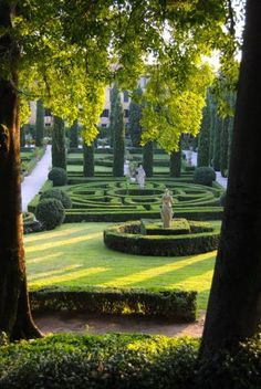 ArtofGardening org The Giusti Garden in Verona, Italy is part of Italian garden - Formal Garden Design, English Garden Design, Formal Gardens, Outdoor Gardens, Dream Garden, Garden Art, Landscape Architecture, Landscape Design, Italy Architecture