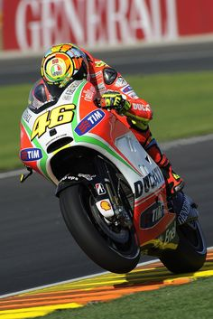 Valentino Rossi 2012 - via Racing Cafe