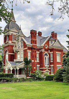 Victorian Brick House Architecture Design And Ideas Victorian Architecture, Beautiful Architecture, Beautiful Buildings, Beautiful Homes, Architecture Design, Old Mansions, Abandoned Mansions, Style At Home, Abandoned Mansion For Sale