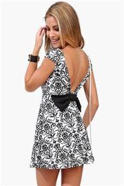 Wall Paper Ribbon Dress in Black/White