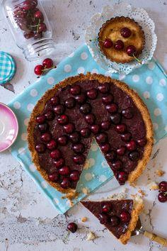 Tej- és gluténmentes cseresznyés pite Tej, Waffles, Breakfast, Food, Morning Coffee, Meals, Waffle, Yemek, Morning Breakfast