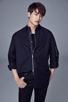 Park Hyung Sik with his new agency UAA (home of Song Hye Kyo & Yoo Ah In) Park Bo Young, Asian Celebrities, Asian Actors, Korean Actors, Actors Male, Celebs, Korean Star, Korean Men, Asian Men