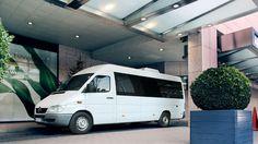 Bus Mercedes Sprinter Comfort Class. W środku lotnicze fotele, każdy z nocną lampką, ilość miejsc 9. Więcej o wynajmie busów na http://www.dar-trans.pl/wynajem-busow