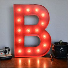 Marquee light letter