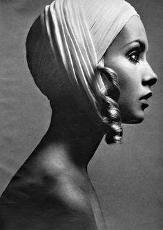 Vintage fashionable head-turban