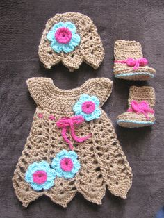 Made from these 2 patterns  http://www.craftsy.com/pattern/crocheting/clothing/shells-and-bells-newborn-dress-and-hat-/150838 http://www.craftsy.com/pattern/crocheting/accessory/crochet-baby-bootique-pattern/118060