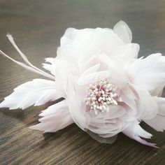 New Bridal Hairpiece ❤🌹 Bridal Hairpiece, Bridal Hair Flowers, Silk Flowers, Wedding Dress Accessories, Wedding Dresses, Hair Pieces, Trending Outfits, Unique Jewelry, Handmade Gifts