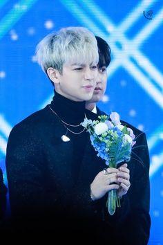 Hanbin, Ikon, Bunny, Gorgeous Men, Pictures, Korea, Cute Bunny, Rabbit, Icons